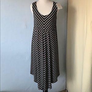 Black & White Striped Sleeveless Maternity Dress